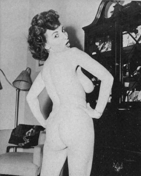 sexe vintage, des photos erotique et pornographique de femme nue dans les années 1960 et 1970, les photos sont en noir et blanc et les premieres vidéo érotique du cinéma sont a voir sur le blog gratuit et coquin d'une amatrice de cul sexy et salope