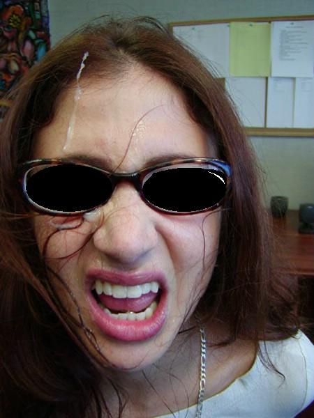 Je baise avec ma secrétaire dans le bureau du patron