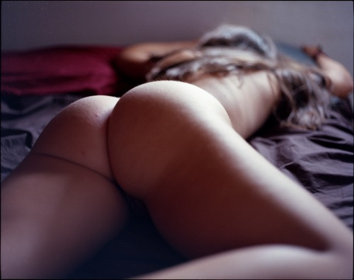 Belle fesse sur un lit